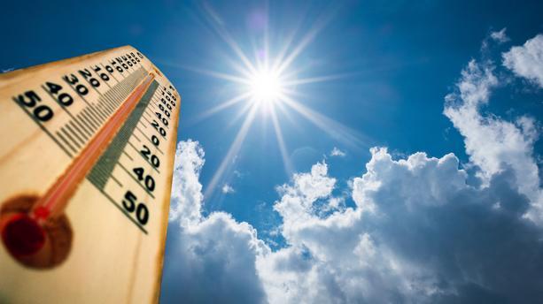 thermometre-chaleur-canicule-ciel-90d999-01x.jpg